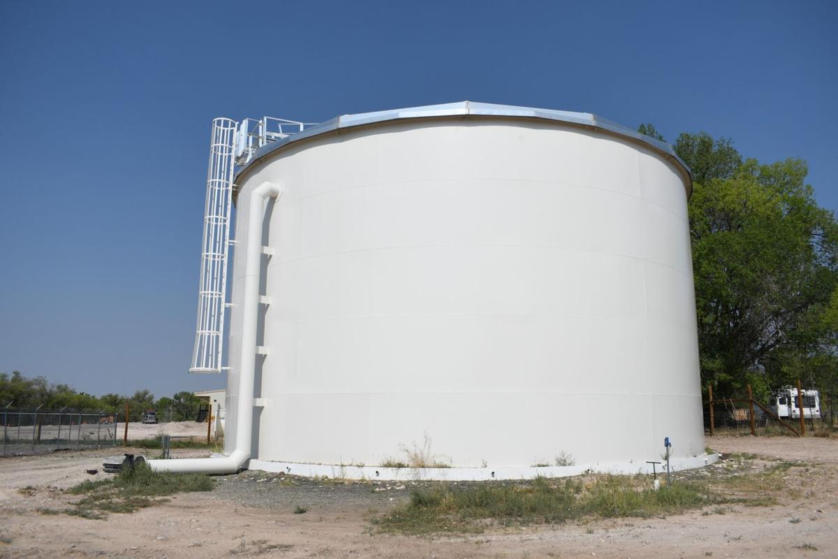 Hotchkiss Water Tank 01.jpg