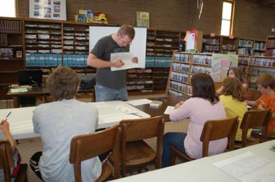 Cartoonist shares his craft with kids