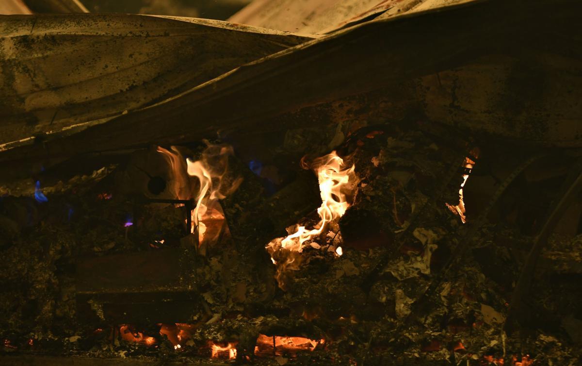Santiam Fire Wednesday22