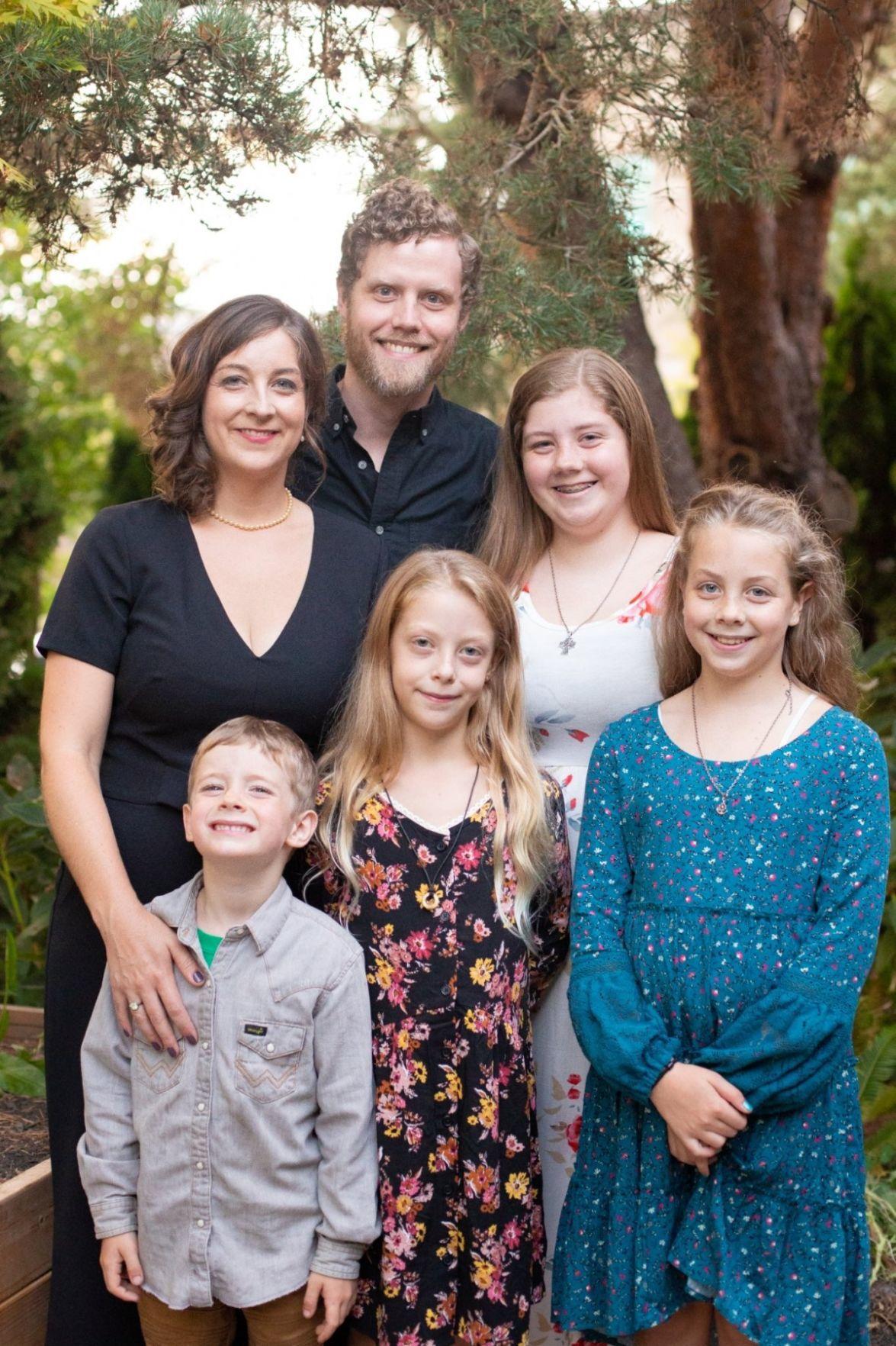 Saemenes Family