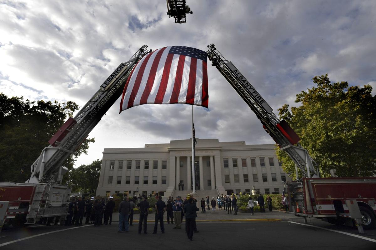 091218-adh-nws Courthouse 911 ceremony02a-my