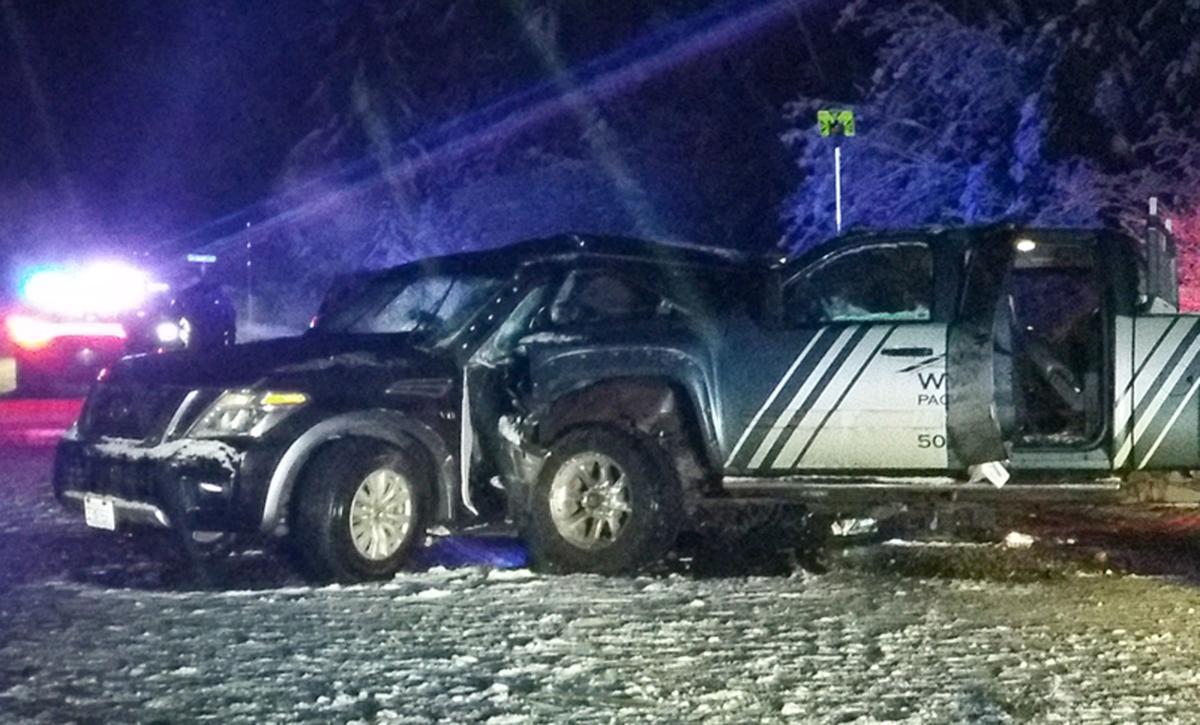 Crash kills two near Santiam Pass | Local | democratherald com