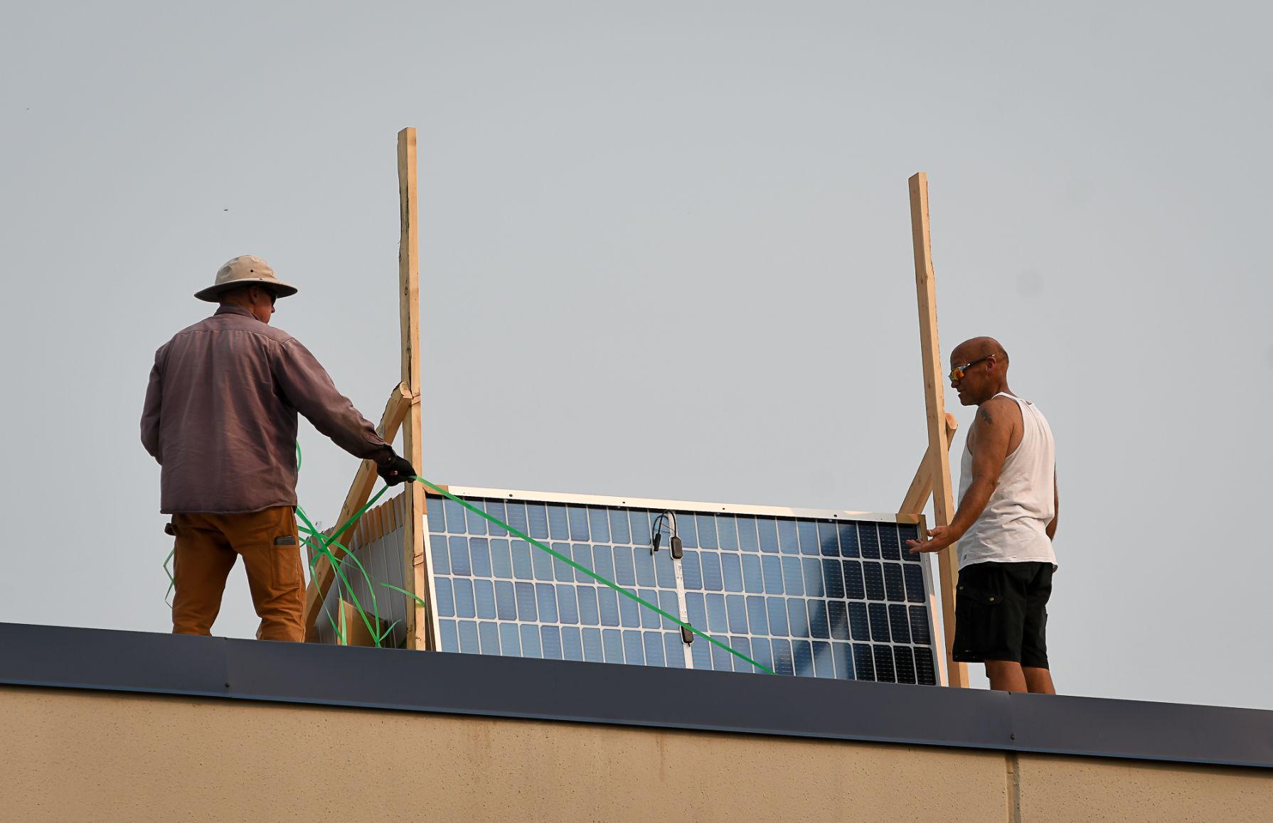 democratherald.com - JESSE SOWA jesse.sowa@lee.net - Benton County building becomes latest Solarize Corvallis project