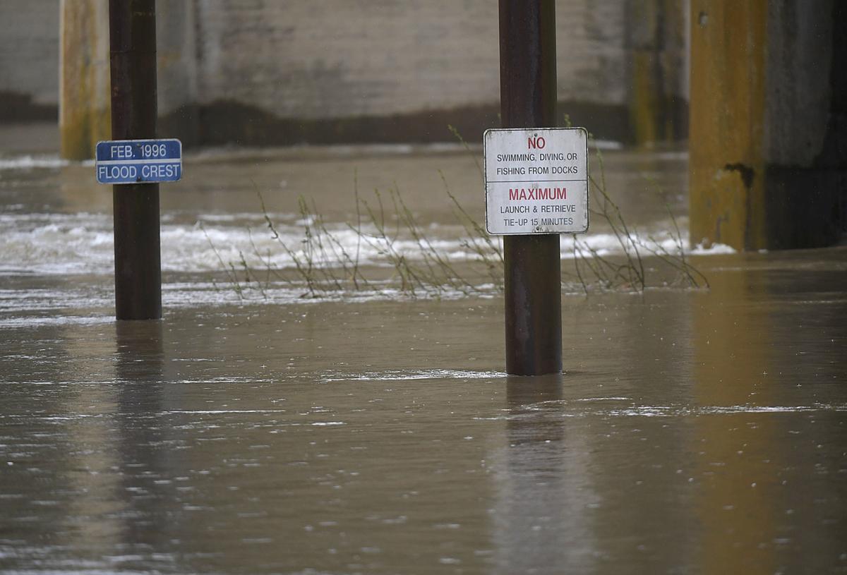 041219-adh-nws-Flood Levels Bridges-my