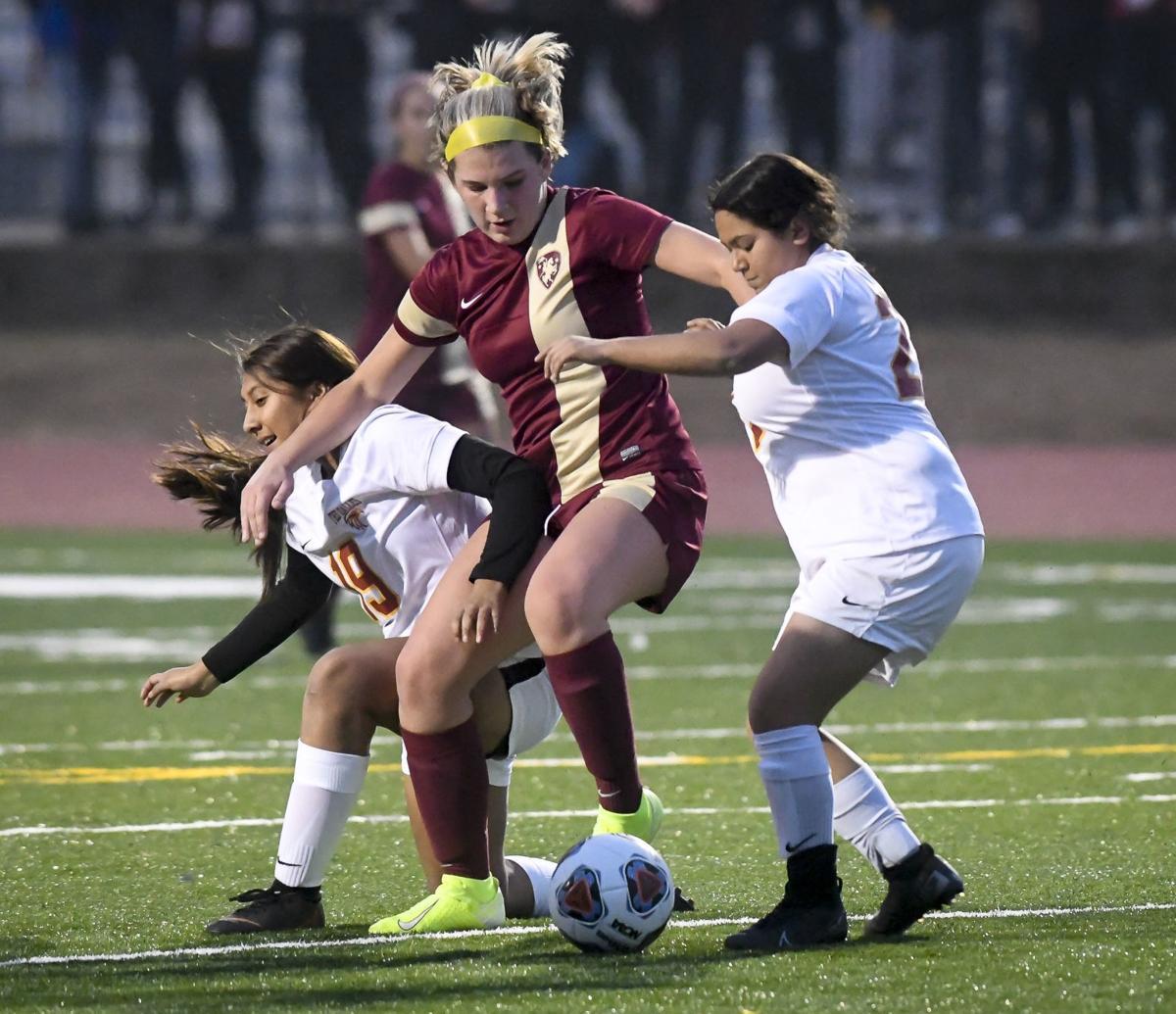 CVHS vs The Dalles soccer 2