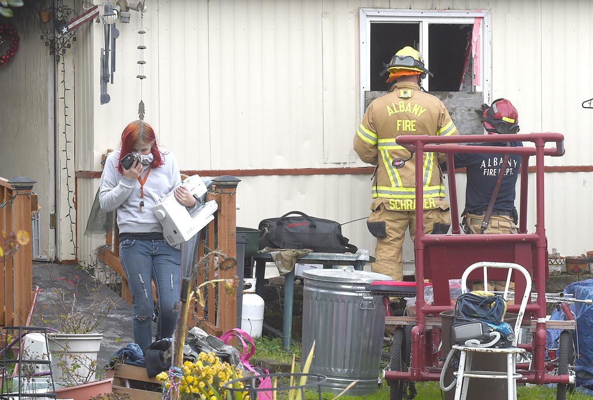 112919-adh-nws-Kitchen Fire01-my