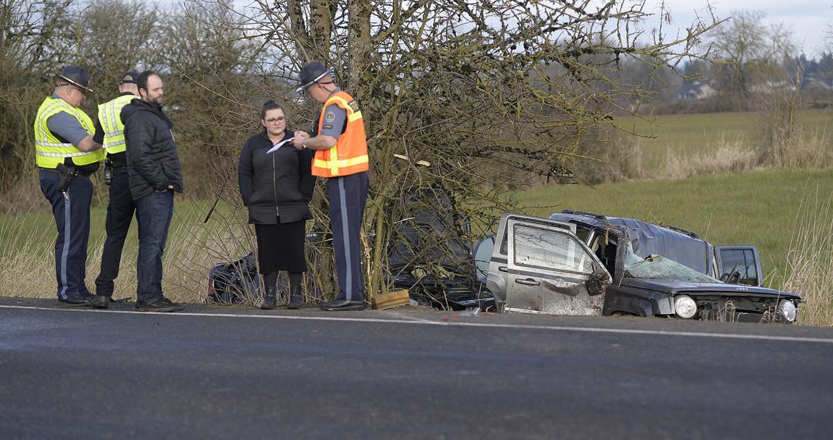 030320-adh-nws-Kennel Road Crash01-my