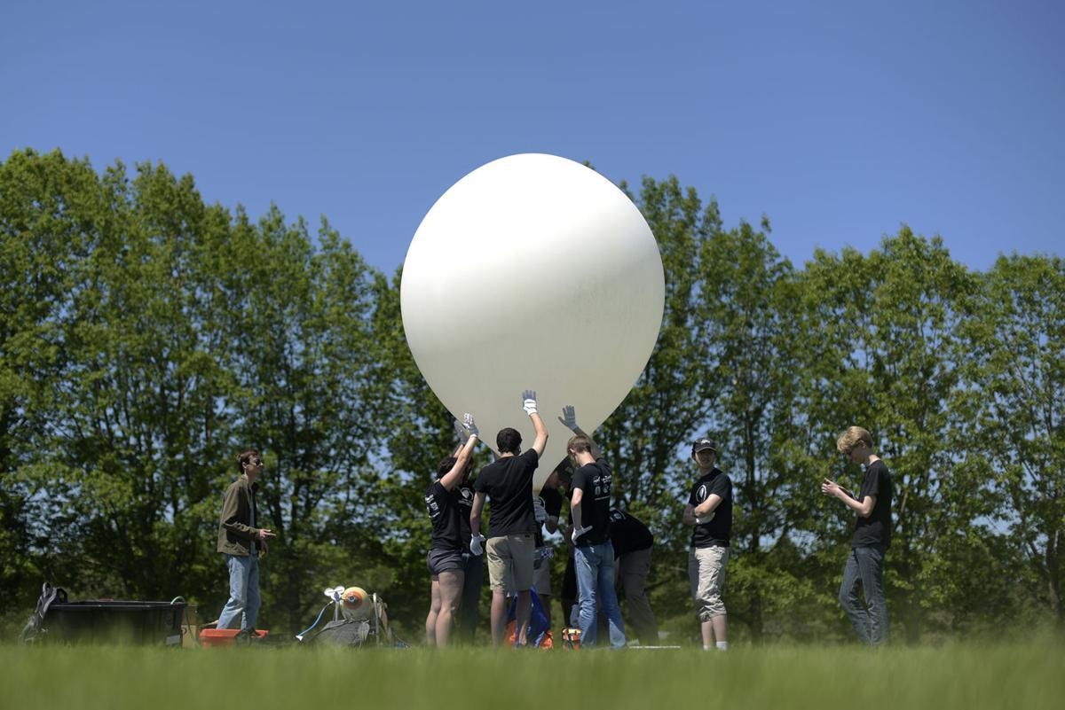 052817-adh-lbcc-eclipse-launch-001.jpg