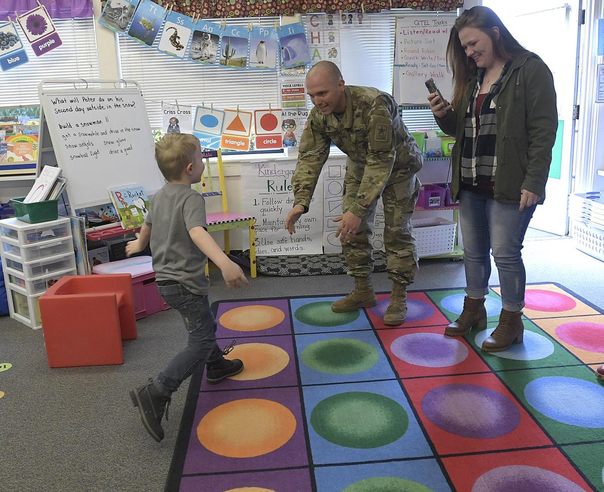 121819-adh-nws-Soldier surprises son01-my