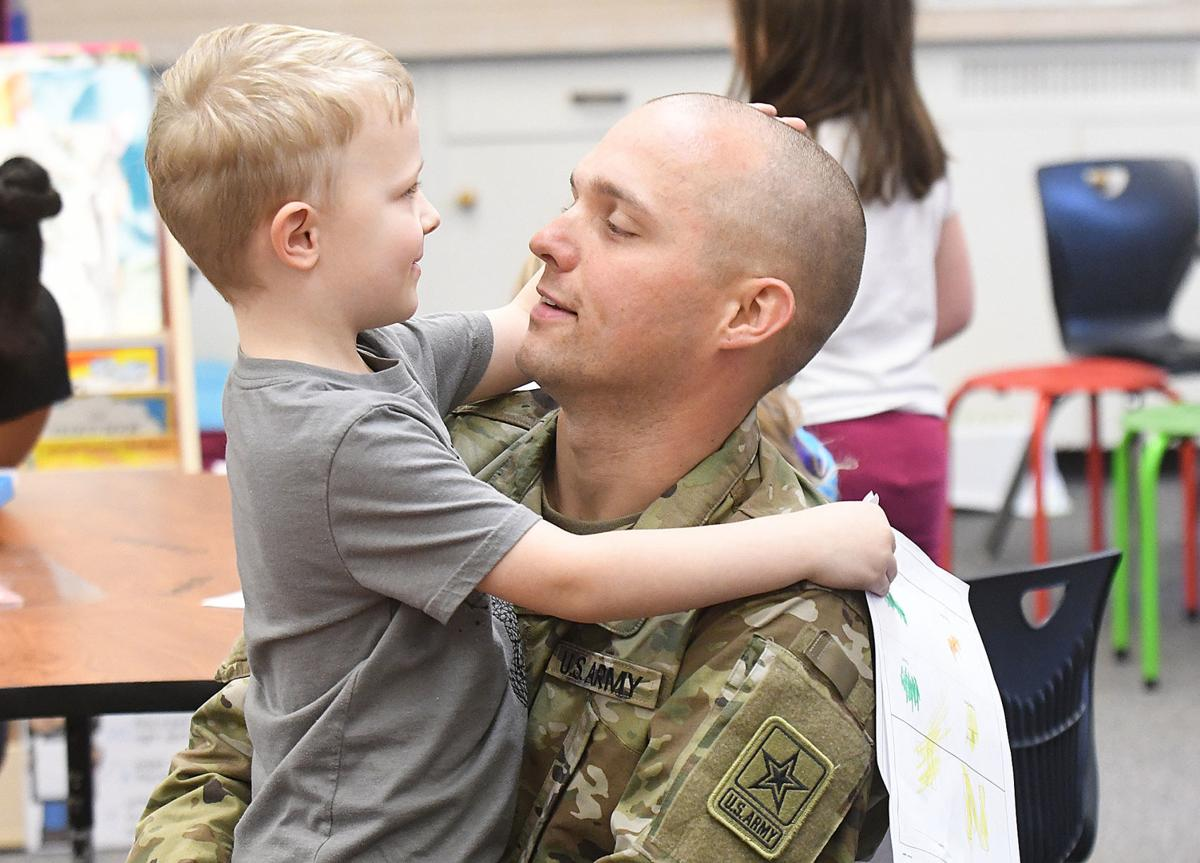 121819-adh-nws-Soldier surprises son02-my