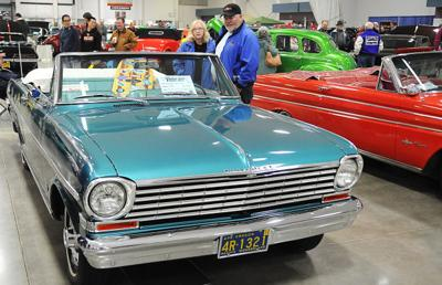 010415-adh-nws-carshow1-js