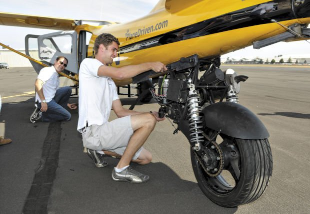 Motorcycle with wings: Kit makes aircraft street legal