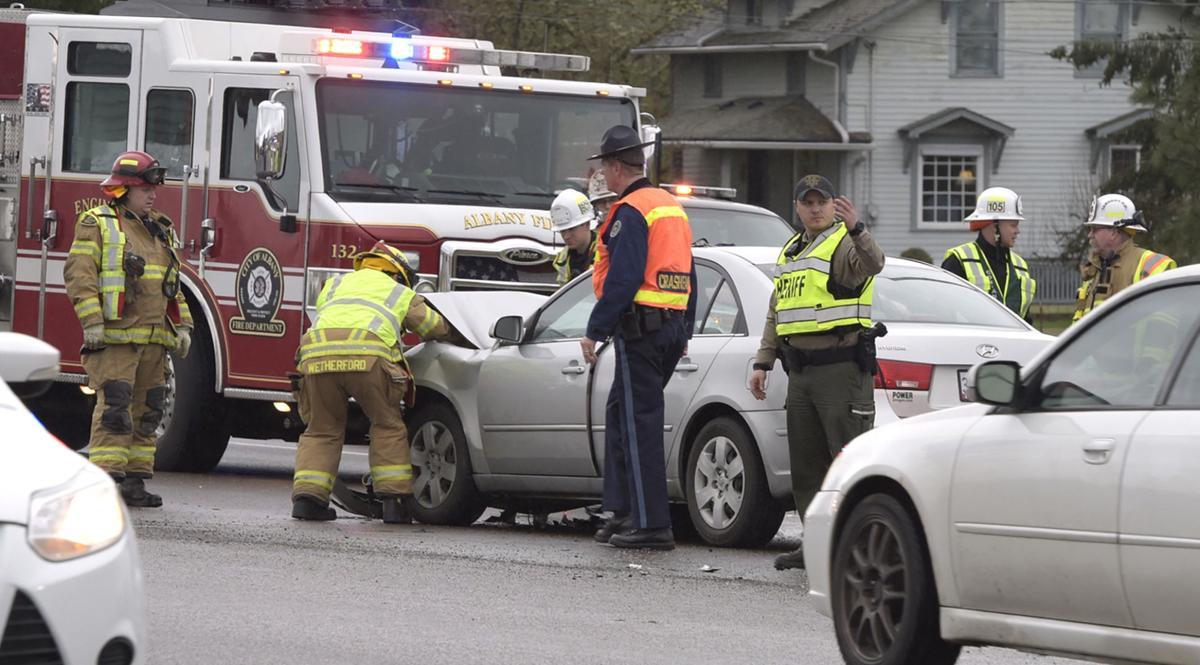 Two-vehicle crash slows Highway 34 traffic | Local | democratherald com