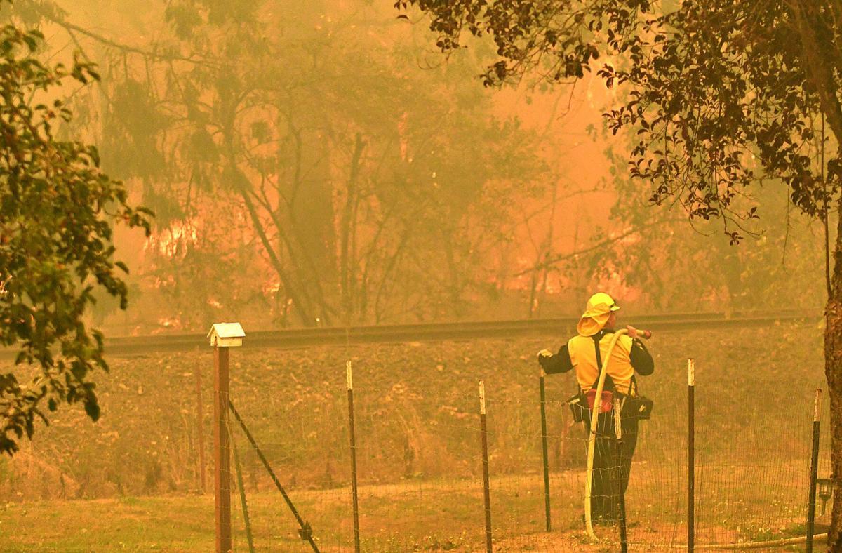Santiam Fire Wednesday01
