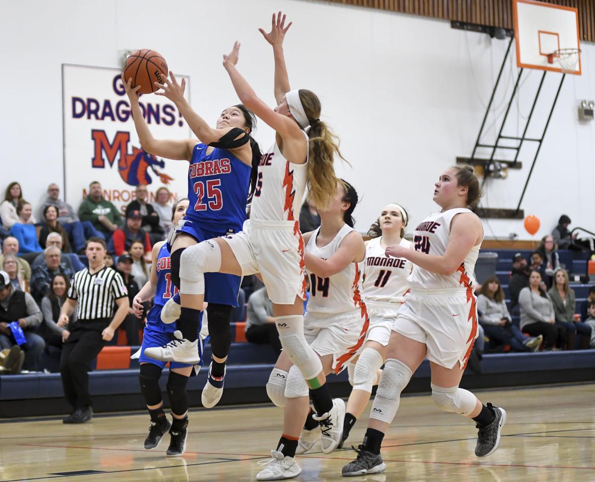 Gallery: Monroe vs Central Linn basketball 04