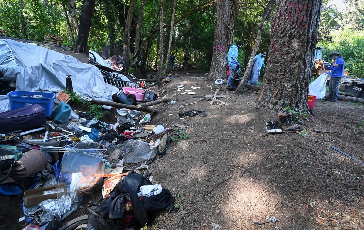 Pioneer Park cleanup 03