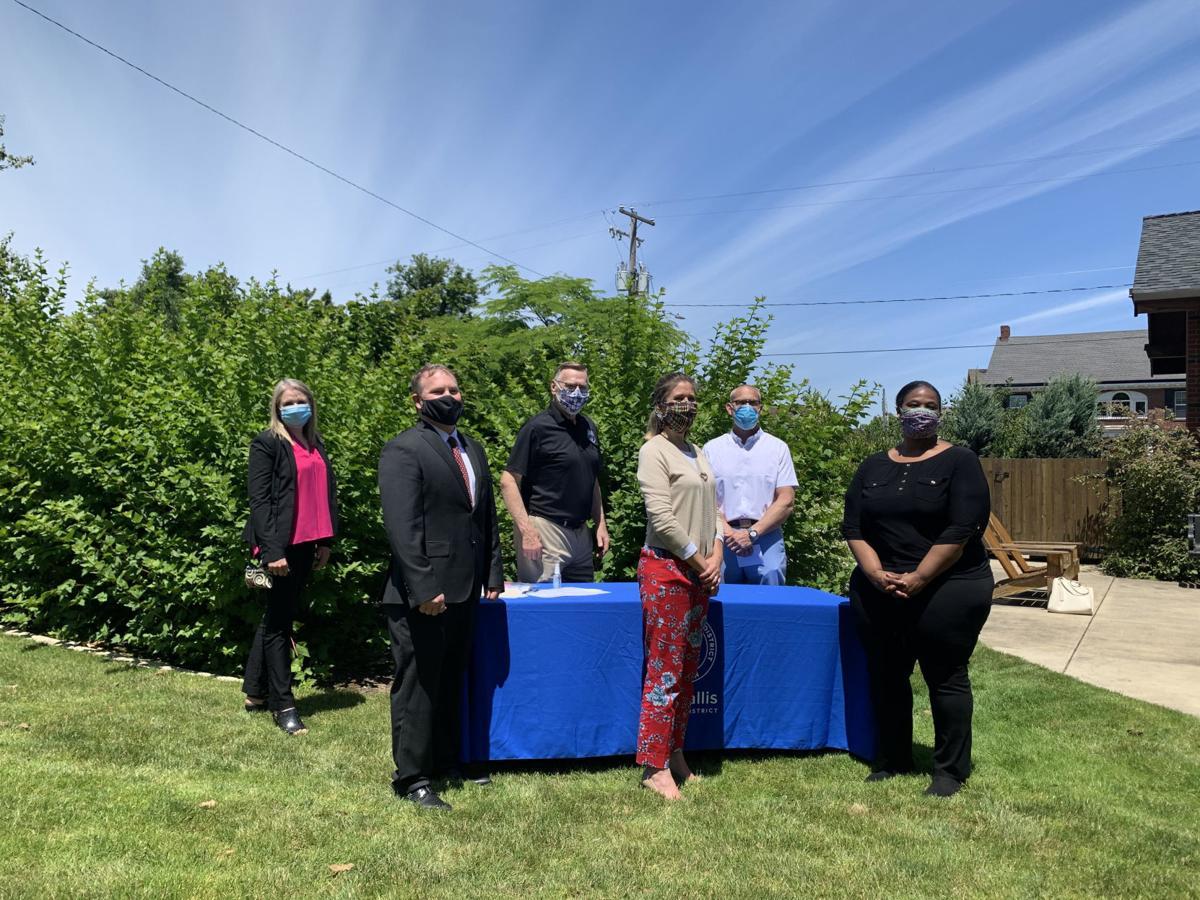 Proclamation Signing 3.jpg