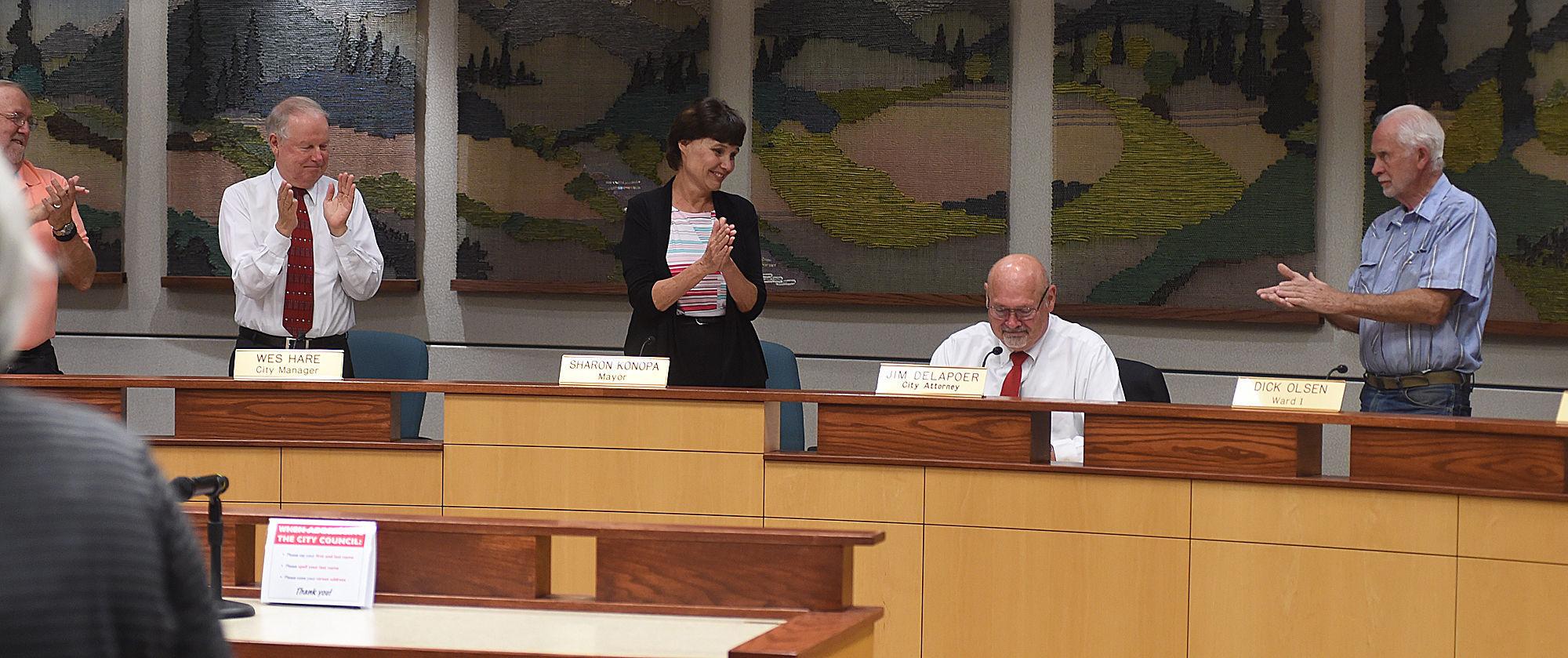 Albany council honors u0027retiringu0027 attorney Jim Delapoer