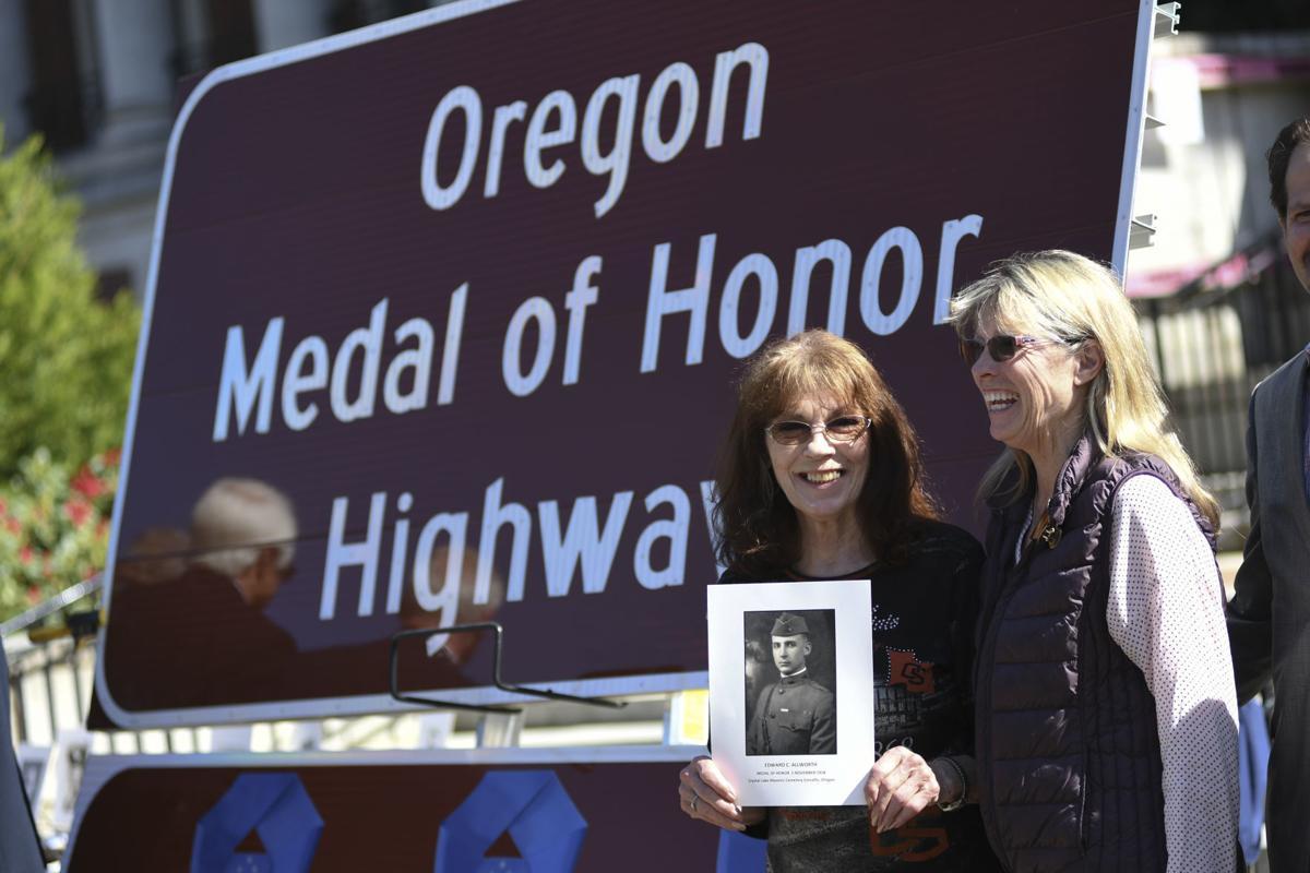Oregon Medal of Honor Highway Sign