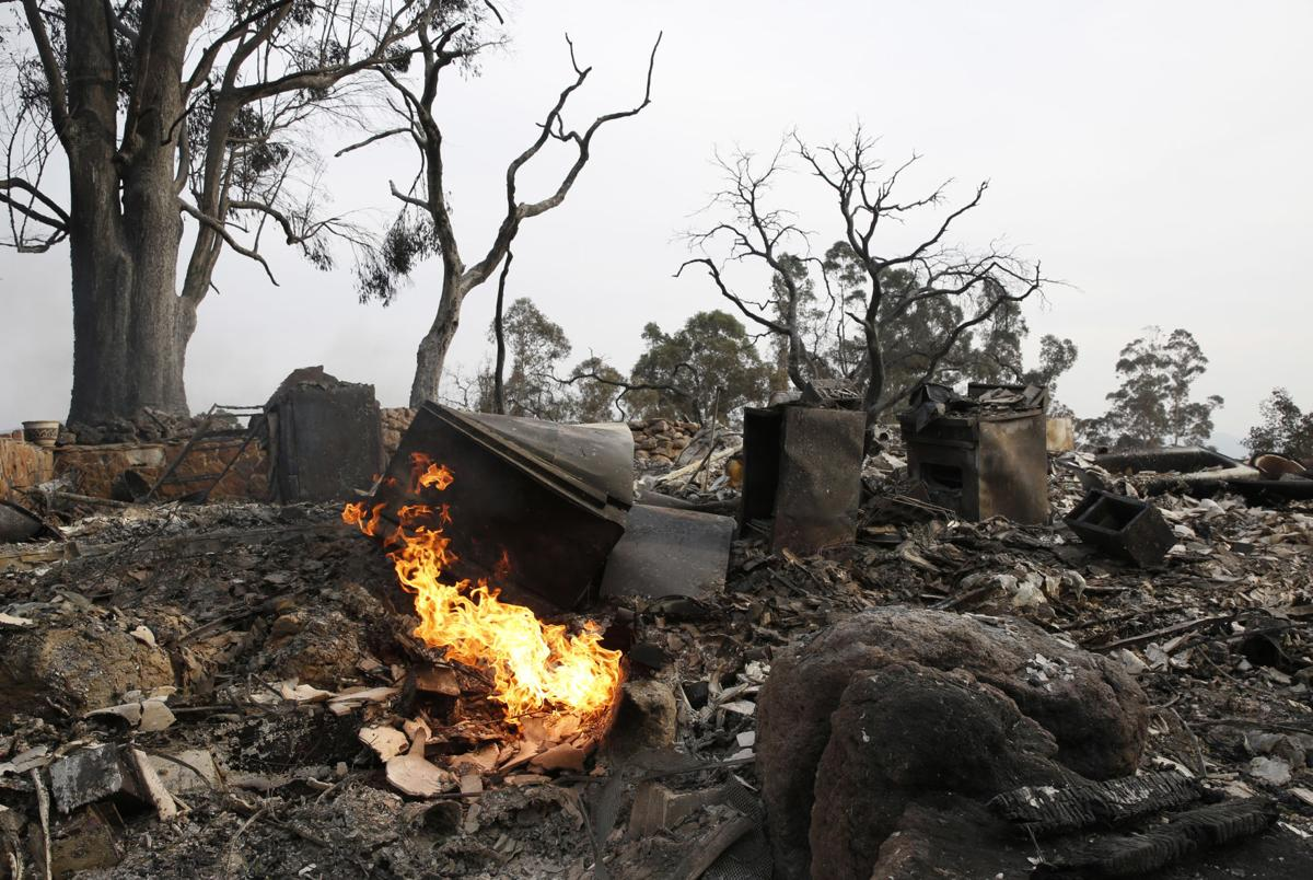 Photos Deadly California Wildfires Flare Up Swallow More Homes