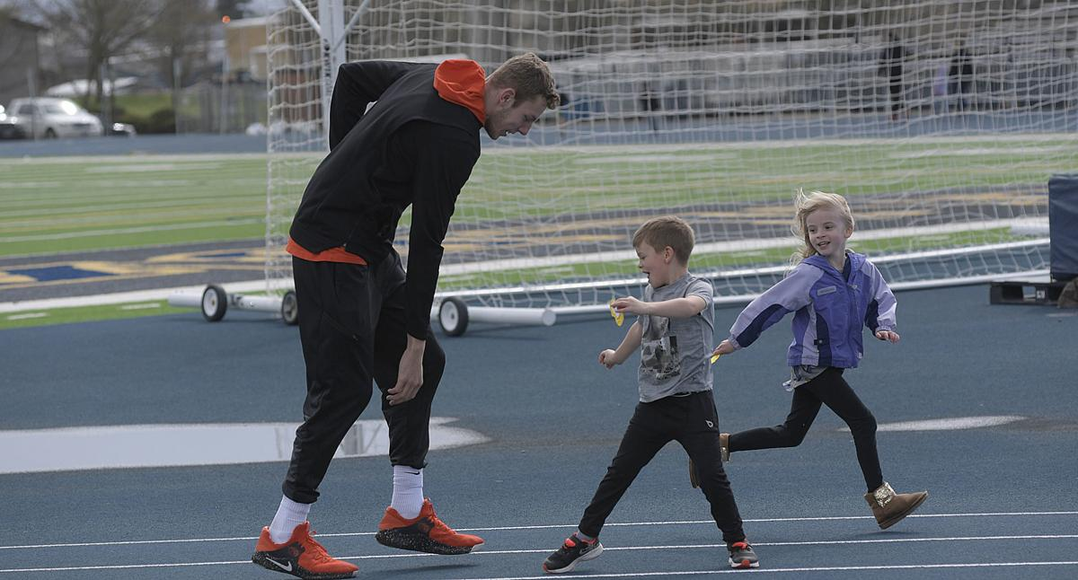 f24a31ff225638 Gallery: OSU Basketball players visit Liberty Mileage Club | Local ...