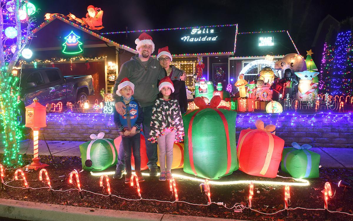 Christmas Lights Route 2021 Albany Oregon This Year It S Personal Albany Homeowners Light Up The Neighborhood Local Democratherald Com