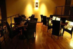 Inside del Alma - Loft dining area