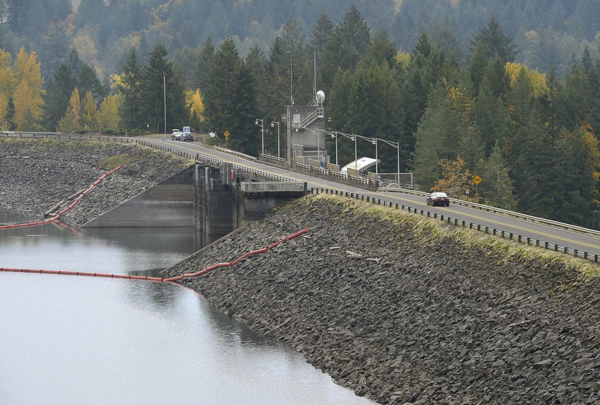 102518-adh-nws-Foster Dam02-my