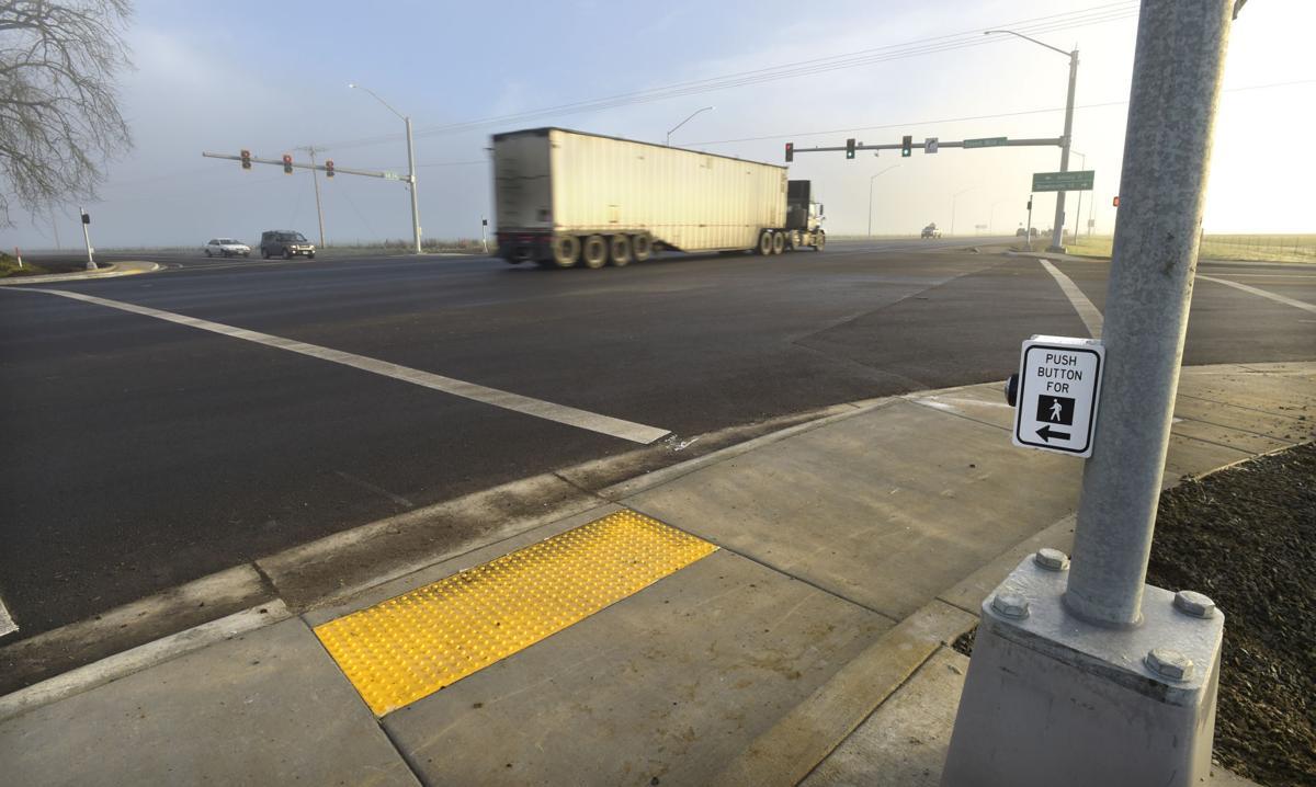 122316-adh-nws-7 mile lane lights-1-dp.jpg