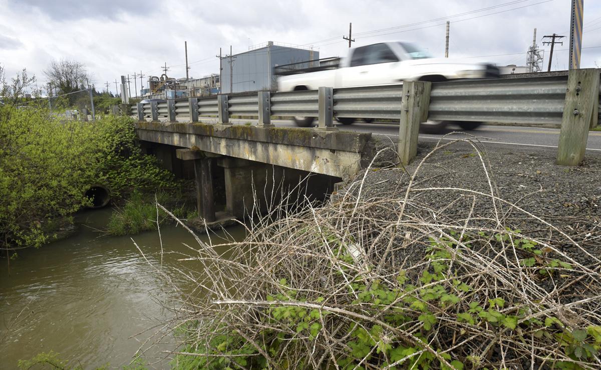 041417-adh-nws-bridge-dp.jpg