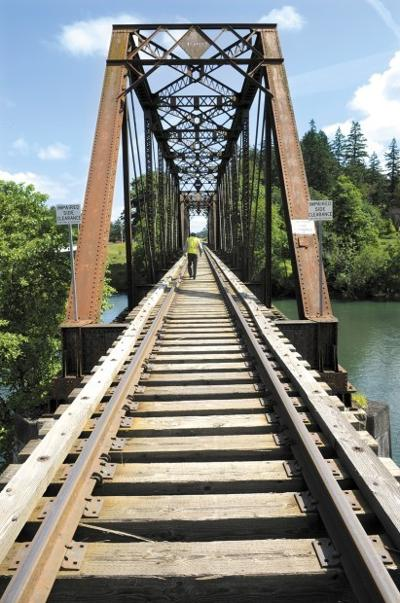 Albany & Eastern goes 'green' with railroad ties | Local