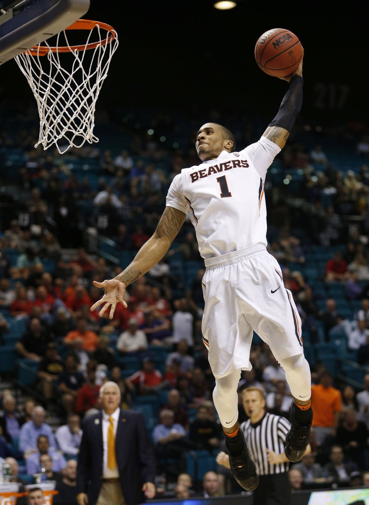 profile in a resume%0A OSU men u    s basketball  Beavers strengthen NCAA tournament resume with win  over Arizona State