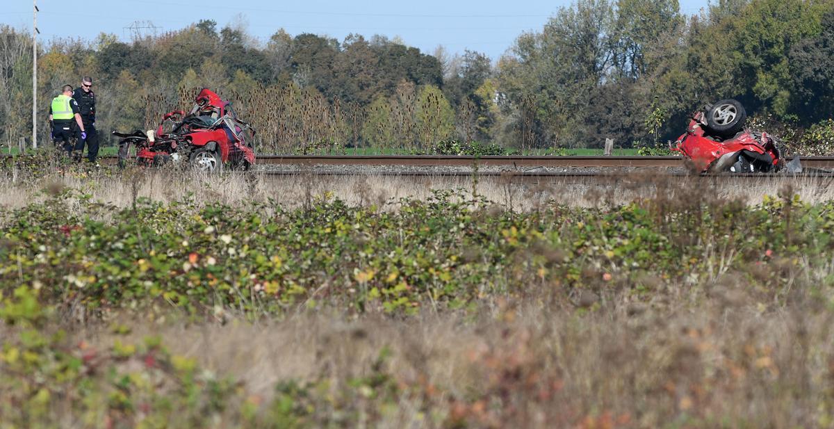 101620-adh-nws-Train vs Car01-my