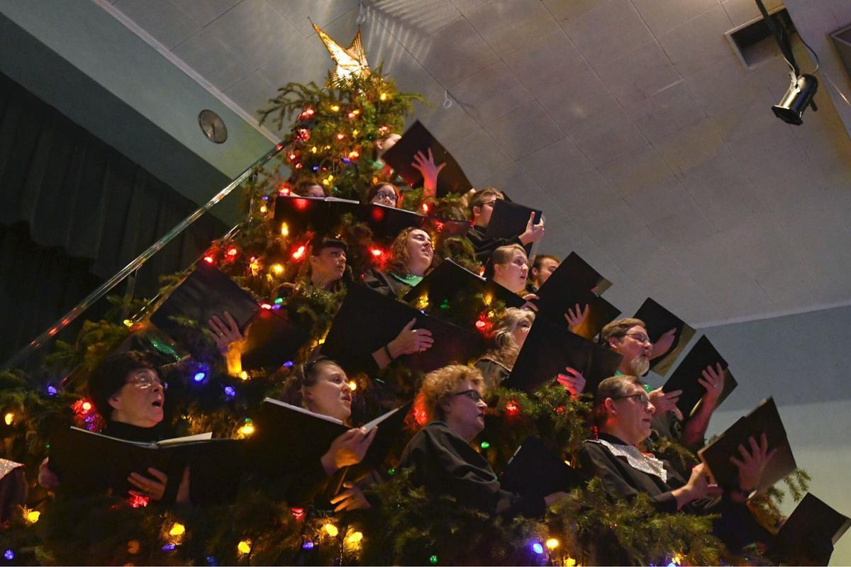 120316-adh-nws-christmas-choir-jh01.JPG (copy)