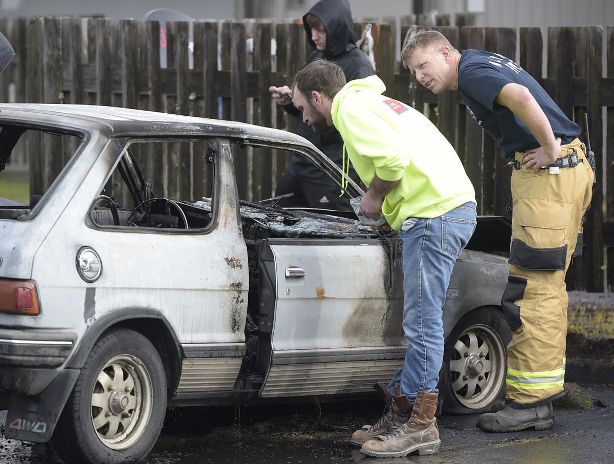 011218-adh-nws-Car Fire03-my