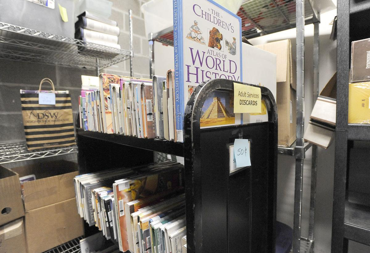 library-book-sale-stock-03