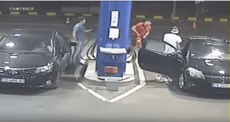 Guy who refuses to stop smoking at gas pump gets sprayed with a fire extinguisher and the internet rejoices