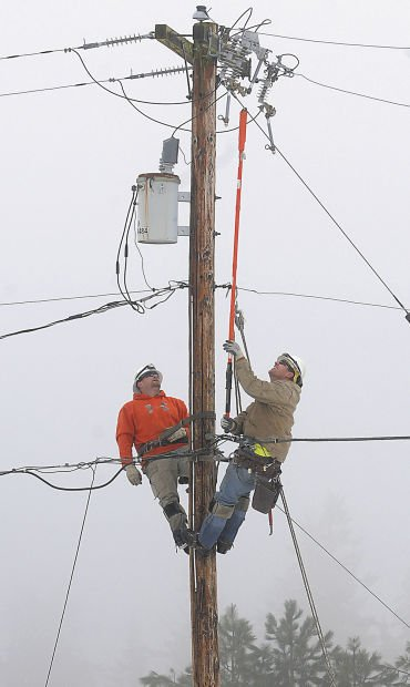 Mid-valley schools  stay closed; power out in some areas