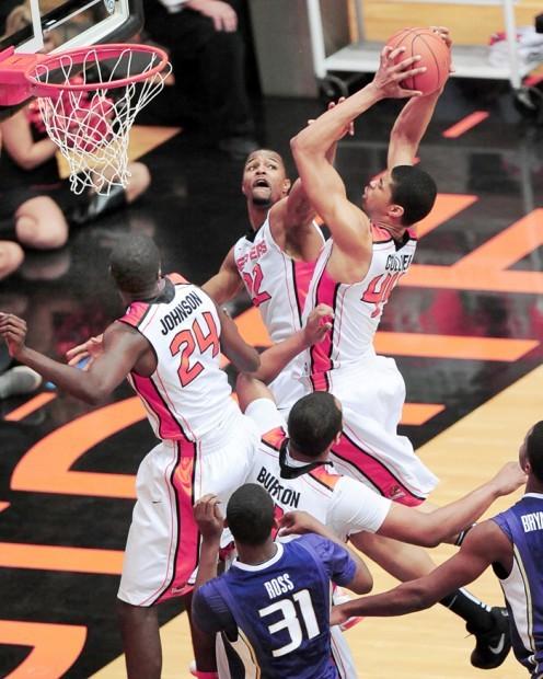 Collier rebounds