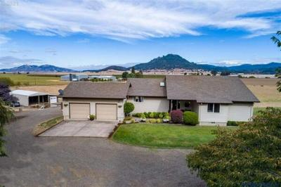 4 Bedroom Home in Shedd - $745,000