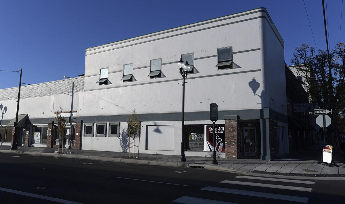 111919-adh-nws-Second aveune Building update-my
