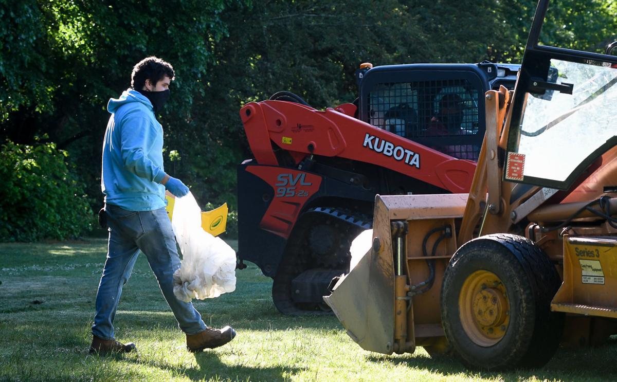 Pioneer Park cleanup 04