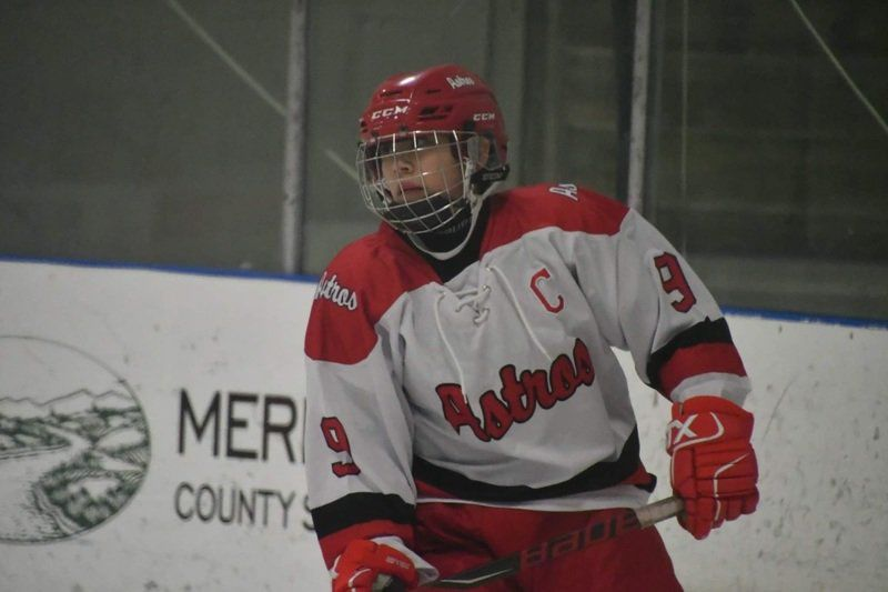 Diminutive defenseman: Just 5 feet, Riviere led second-year Astros to state title contention