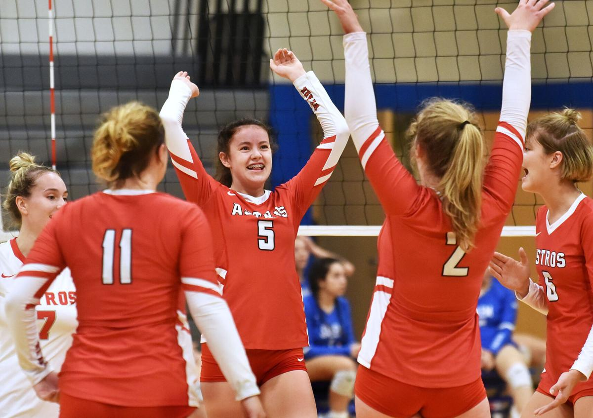 Pinkerton defeated Salem in volleyball action.