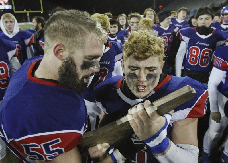 A crown for kings: Londonderry ends wire-to-wire dominant season with state championship