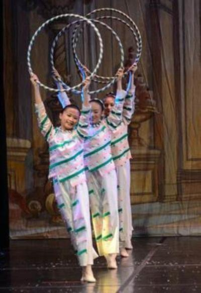 Londonderry youth dance in 'Nutcracker'