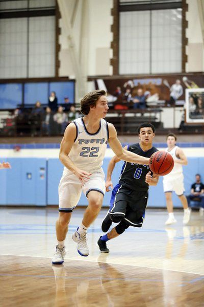 Healthy, Pinkerton's Morris starring once again at Tufts