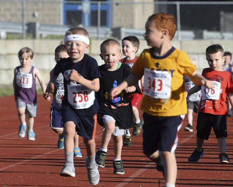 Kids make a run for it at Derry track