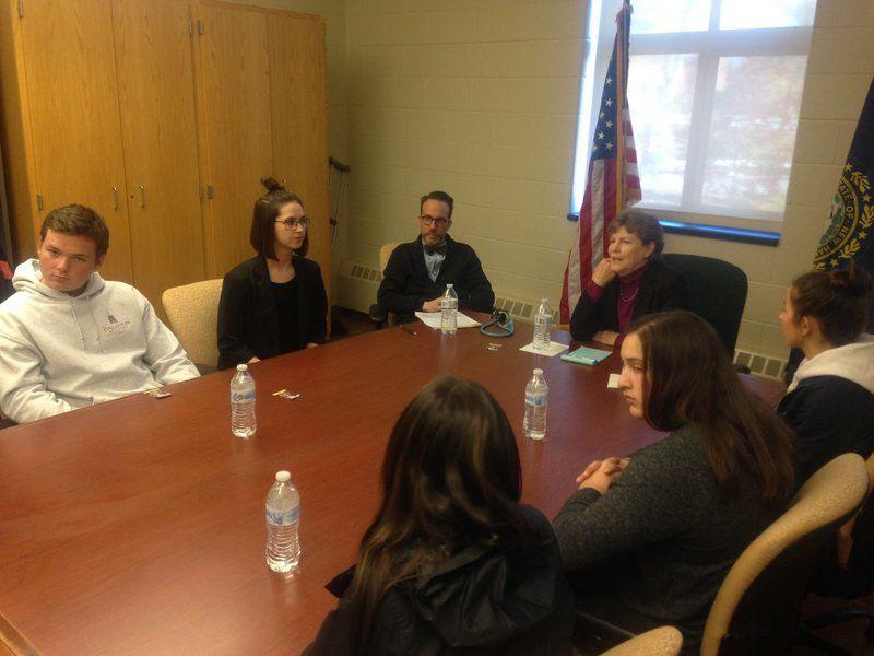Senator, students join for vaping roundtable at Pinkerton