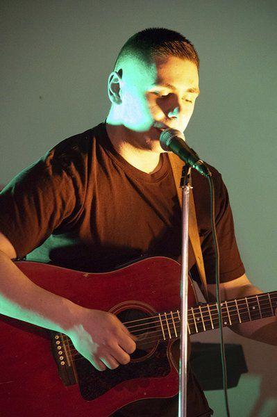 Pizzastock kicks off fall open mic nights